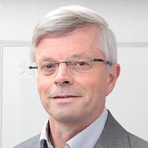 Dr Oscar Vogels